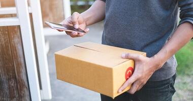 Last mile delivery software includes routing, proof of delivery and customer communications